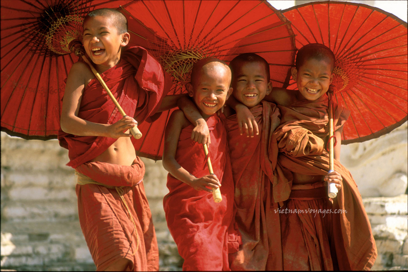 Young-Buddhist-Monks